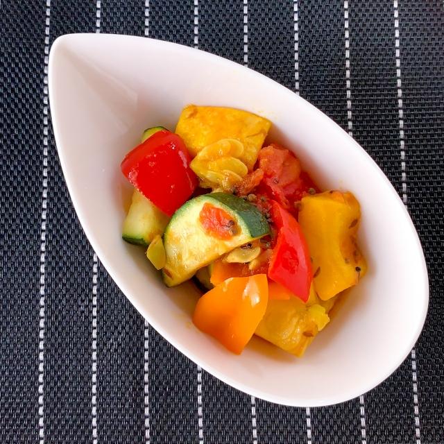 ホールスパイスが香る夏野菜の元気が出るサブジ